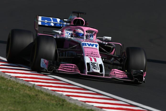 De opvallende roze bolide van Sergio Perez.