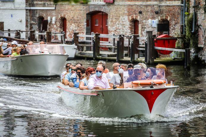 Het toerisme in Brugge haalt in juli een aanvaardbaar peil dankzij de vele landgenoten die kiezen voor één of meerdere dagen in de Breydelstad.