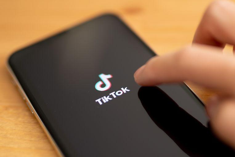 Na Microsoft zou ook Twitter interesse hebben in een overname van de populaire filmpjes-app TikTok. Beeld EPA