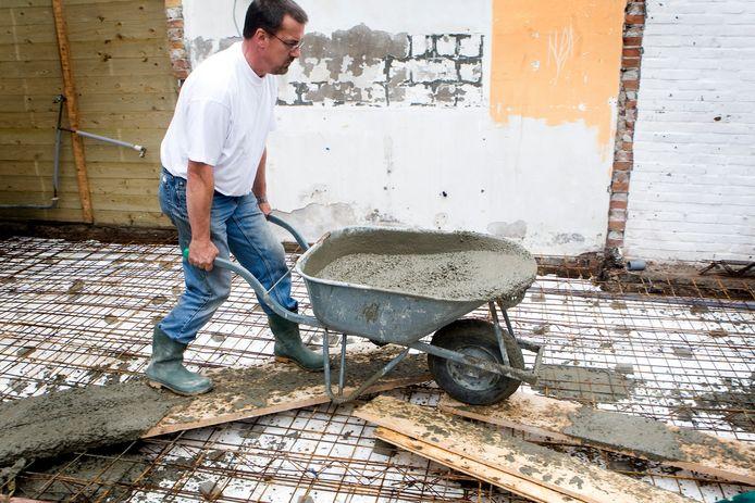 De regels betreffen een sloopregeling. Als er heel veel bebouwing wordt gesloopt, of er wordt veel asbest gesaneerd, wil Nunspeet soepeler zijn met het aantal vierkante meters dat er voor terug mag komen.