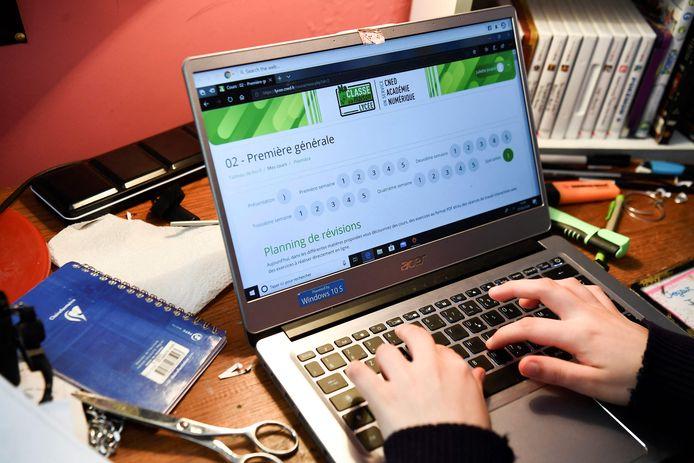 Les élèves des écoles secondaires réalisent de plus en plus de cyberattaques à destination des écoles grâce à des outils qu'ils trouvent sur internet.