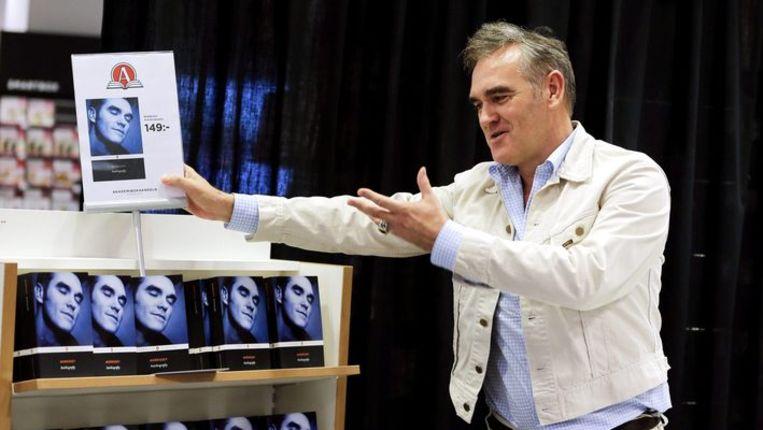 Morrissey was gisteren aanwezig op een signeersessie in Zweden. Beeld REUTERS