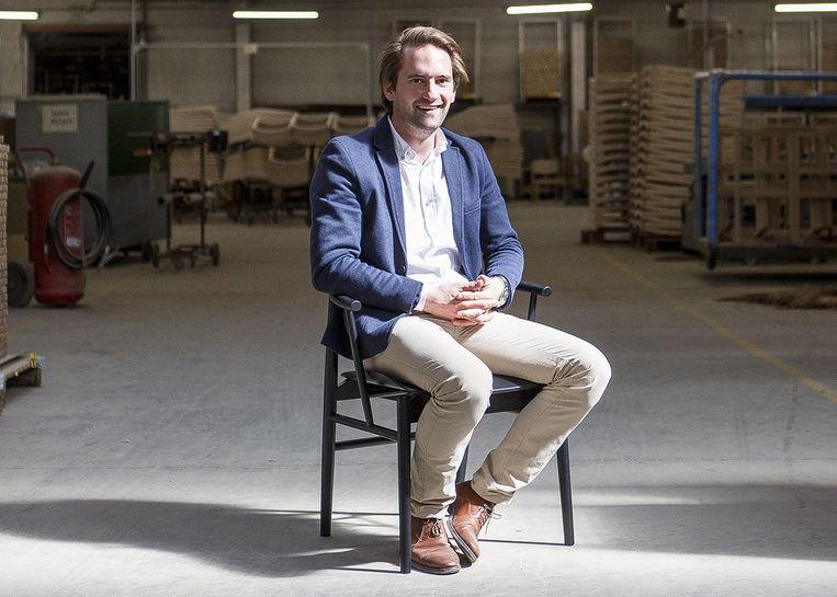 Zaakvoerder David Behaegel van stoelenfabrikant De Zetel in Ardooie.