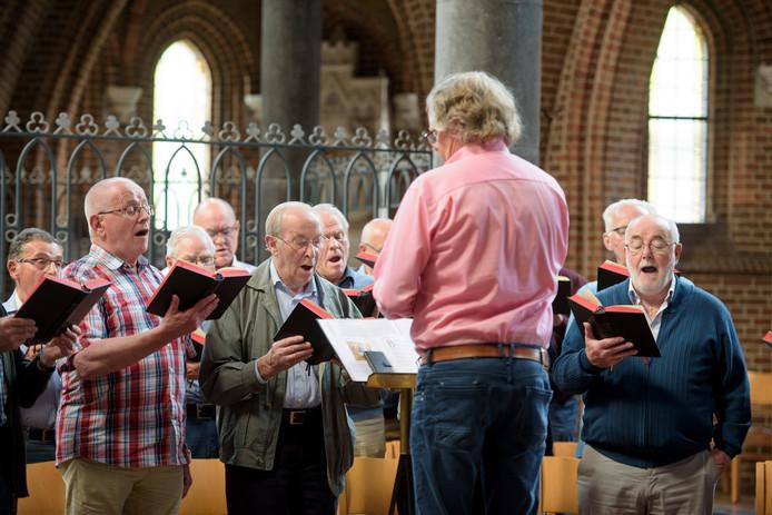 De repetitie afgelopen week van het koor.