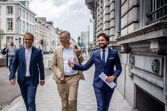 Voorzitters Lachaert (Open Vld), Coens (CD&V) en Bouchez (MR).