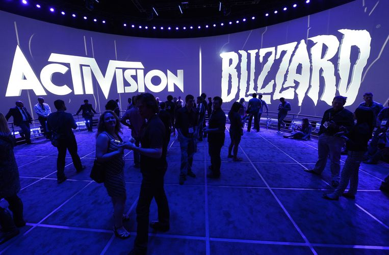 Bezoekers op een expo van Activision Blizzard. Beeld EPA