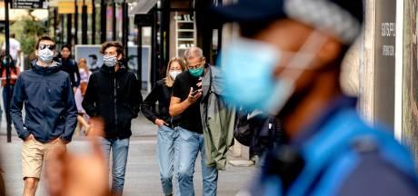 Vier boetes van 95 euro voor weigeraars van mondkapje in Rotterdam