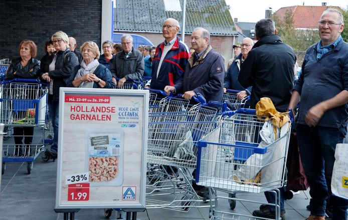 Drukte bij opening nieuwe Aldi in Hulst