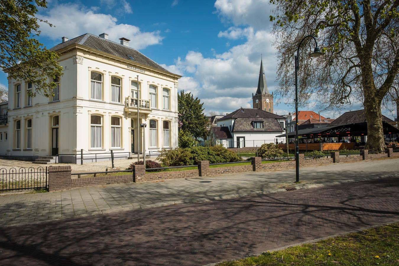 Villa Welgelegen ligt aan de entree van het dorp Heerde.