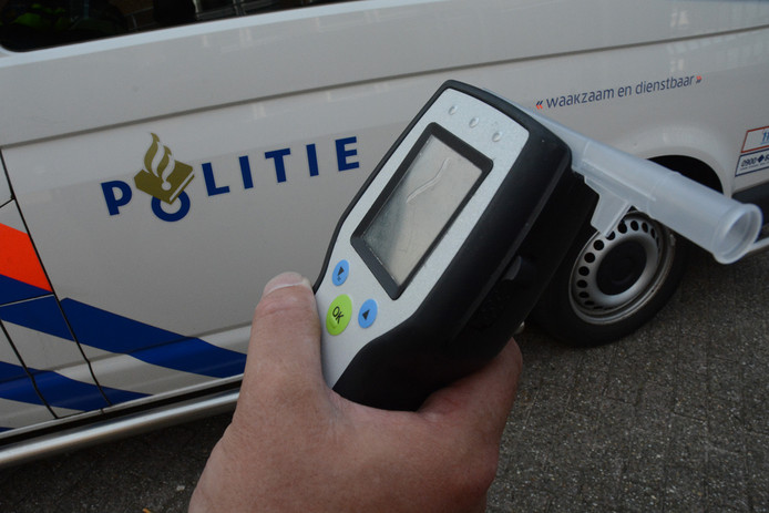 De bestuurder in Maarn bleek gedronken te hebben, en had ook geen rijbewijs.