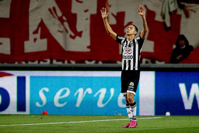 Mauro Junior scoorde vrijdagavond twee keer tegen FC Twente.