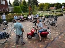 Hangouderen in Mierlo vormen de 'leukste openlucht herensociëteit in de regio'