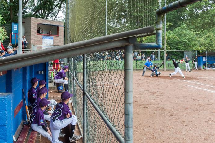 Op het terrein van Twins in Oosterhout doen tot vrijdag ruim honderd kinderen mee aan een internationaal toernooi.