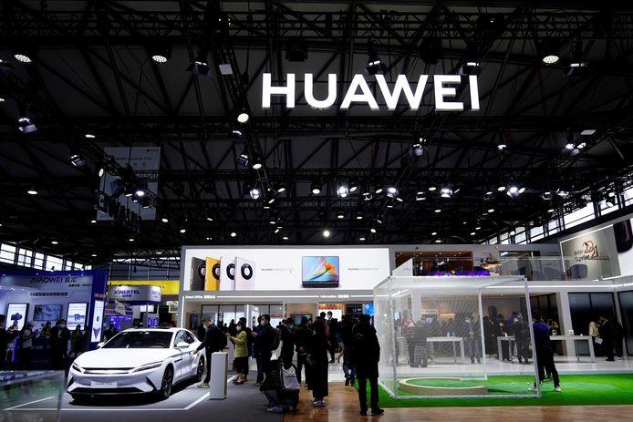 De infostand van Huawei tijdens het 'Mobile World Congress (MWC)' in Shanghai