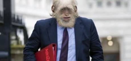 Russen steken de draak met Oxford-vaccin: 'Mensen worden apen!'