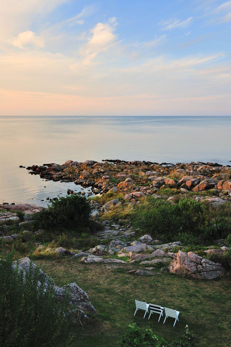Relaxen met zicht op de Baltische Zee vanaf Hotel Nordlandet.  Beeld DAVID DE VLEESCHAUWER