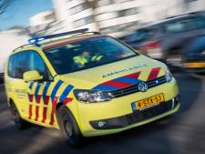 Fietser naar ziekenhuis gebracht na botsing op Boslaan in Emmen