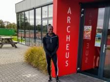 Wereldster traint op atletiekbaan Winterswijk