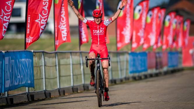 Jana Dobbelaere wint Koers zkt. Vrouw en mag komende maanden proefdraaien bij Star Casino Cycling Team