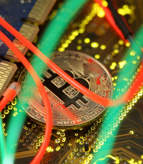 Bitcoin na lange opmars fors omlaag: prijs weer rond 7000 dollar