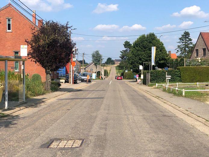 De Sint-Laurentiusstraat wordt tussen het kruispunt met de Hannuitsesteenweg en de Konijnenbergstraat afgesloten.