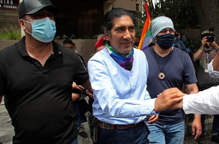 De inheemse advocaat en activist Yaku Pérez is de grote verrassing van de Ecuadoraanse presidentsverkiezingen. Beeld AP