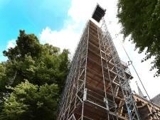 Ook deze kerk kan straks weer tegen een stootje, nu nog snel even 2,5 ton vinden