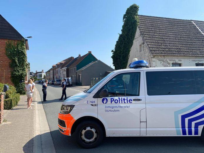 Lede: De Steenstraat is afgesloten.