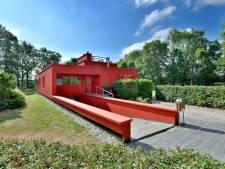 Het Deventer rode huis is eindelijk verkocht, maar blijft het icoon ook rood?