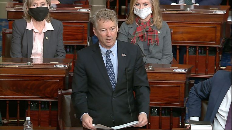 Volgens senator Rand Paul (Kentucky) is impeachment mosterd na de maaltijd: Trump is immers geen president meer. Het merendeel van de Republikeinen in de Senaat  was het met hem eens. Beeld AP
