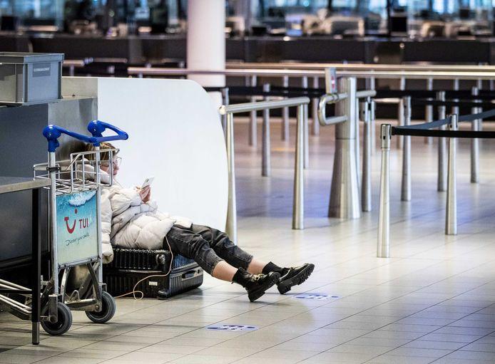 Op Schiphol zal het nóg stiller worden door het vliegverbod.
