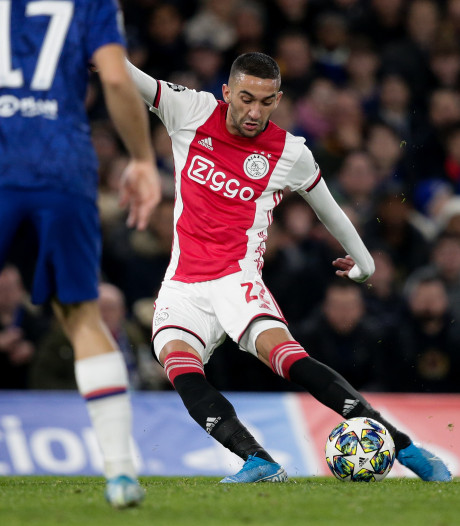 Ziyech kan met nieuwe richtlijnen FIFA ook na 30 juni nog voor Ajax spelen
