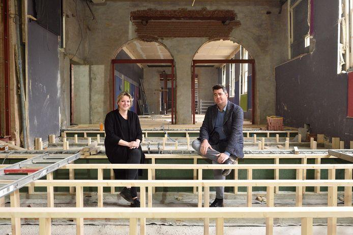 Rik Dijkgraaf en Femke van Munster, de initiatiefnemers voor de Cheese Experience, vinden het jammer dat de geplande openingsdatum niet wordt gehaald.