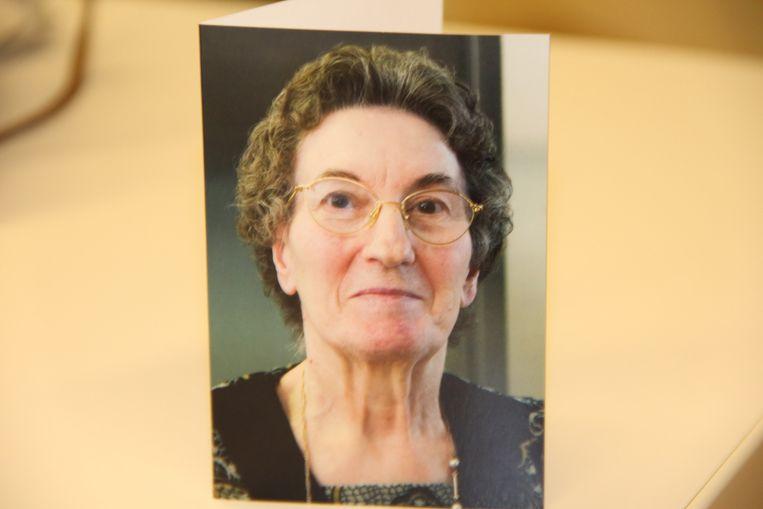 Het doodsprentje van Simonne Vermeersch. Op 4 februari vond haar begrafenis plaats, zonder dat haar lichaam in de kist lag.