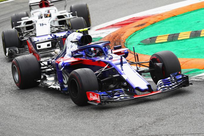 Pierre Gasly voor de Sauber van Charles Leclerc