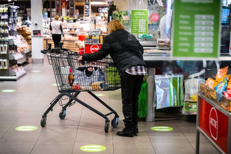 Door de inflatie worden boodschappen duurder. Economen verwachten dat deze zomer de prijzen verder zullen stijgen. Beeld ANP
