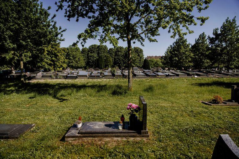 De Westerbegraafplaats in Gent, waar de feiten zich afspeelden. Beeld Eric de Mildt