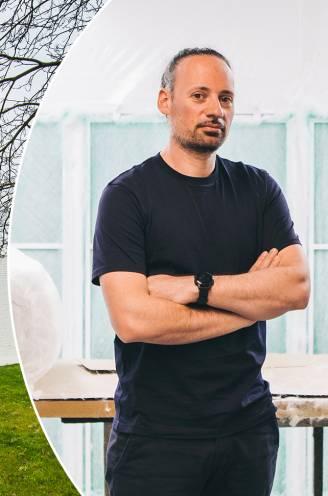 """Filip (40) woont in een modernistische sixtiesvilla: """"Door de ingenieuze eenvoud zijn woningen als deze decennia later nog erg in trek"""""""