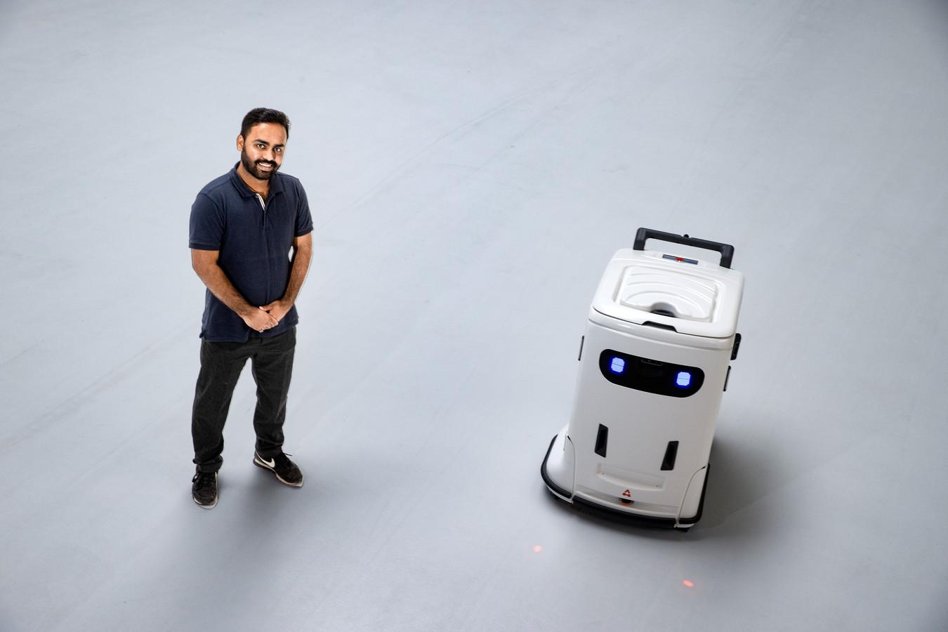 Getooid met de naam BiXi, niet te groot en met twee ogen: Sarthak Yadav wil een schoonmaakrobot die zich als vriend presenteert.
