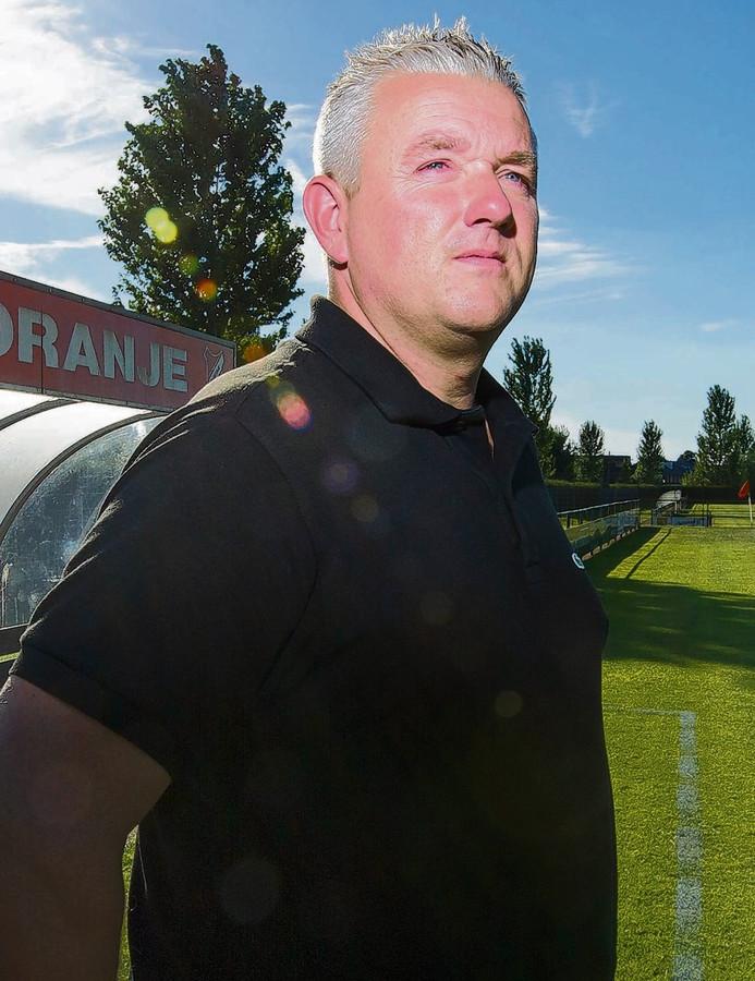 (Voormalig) SC Oranje-trainer Carel van der Velden.