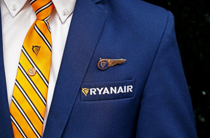 Foto ter illustratie. Een lid van het cabinepersoneel van luchtvaartmaatschappij Ryanair.