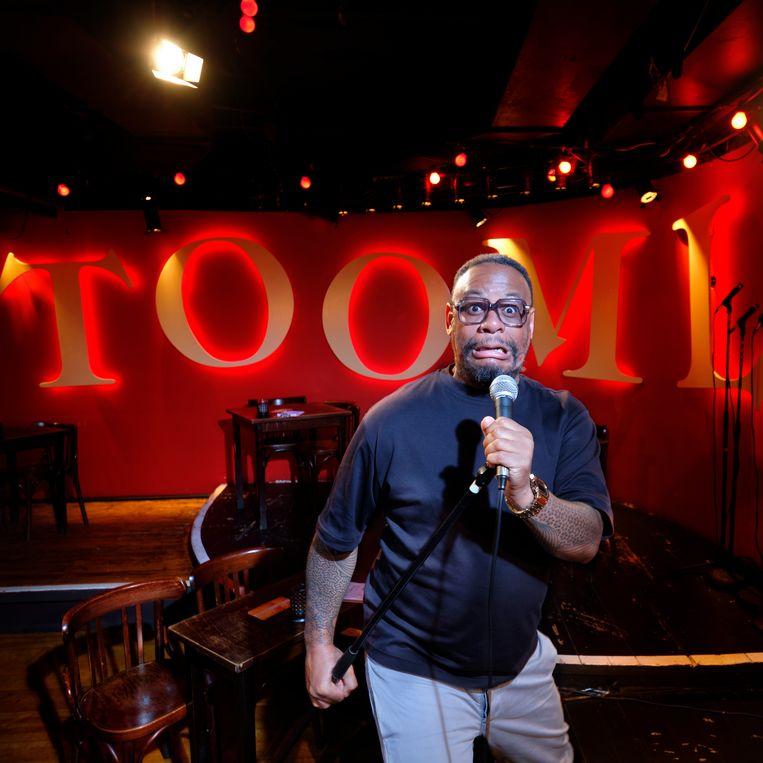 Howard Komproe in comedyclub Toomler. Beeld Mark Kohn