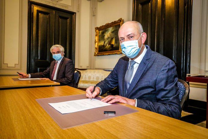 Brugge: eedaflegging nieuwe burgemeester Meulebeke: Dirk Verwilst