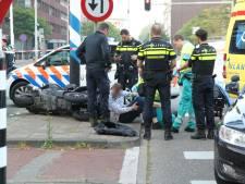 Motorrijder crasht tegen verkeerspaal bij politieachtervolging in Den Haag