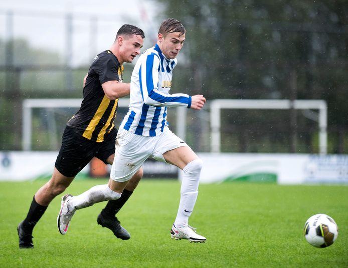 Woerdenaar Mike Vrolijk (rechts) heeft besloten dat hij volgend seizoen in een vriendenteam bij Sportlust'46 speelt.