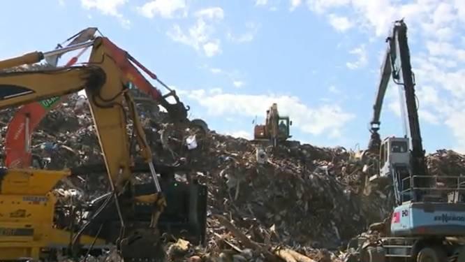 Afvalberg van watersnood in Wallonië neemt reusachtige proporties aan: stank en hels lawaai is nachtmerrie voor buurtbewoners