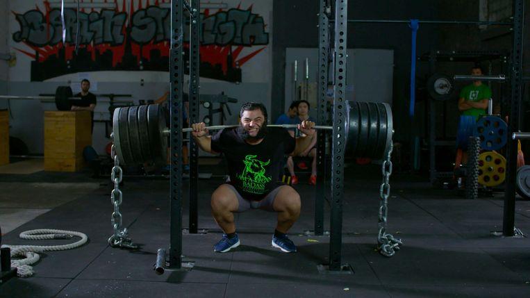 Bodybuilder Patrik Baboumian, die het veganisme in de topsport promoot, in de documentaire 'Game Changers'. Beeld