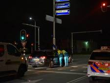 Automobilist met nekklachten naar het ziekenhuis na kop-staartbotsing in Tilburg