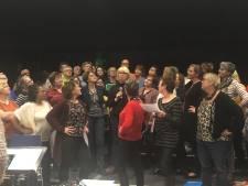 Zeeuws-Vlaams popkoor Akkoord treedt op in Paradiso