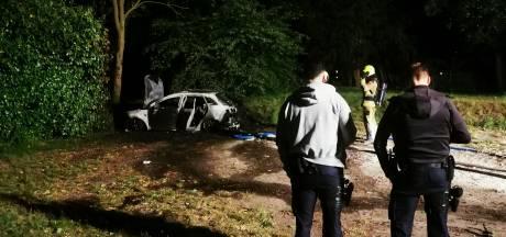 Auto brandt uit bij Nijmeegse brasserie; politie onderzoekt opzet